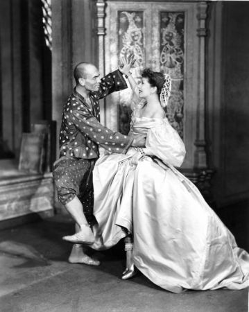 Yul Brynner and Gertrude Lawrence:Shall We Dance from The King and I